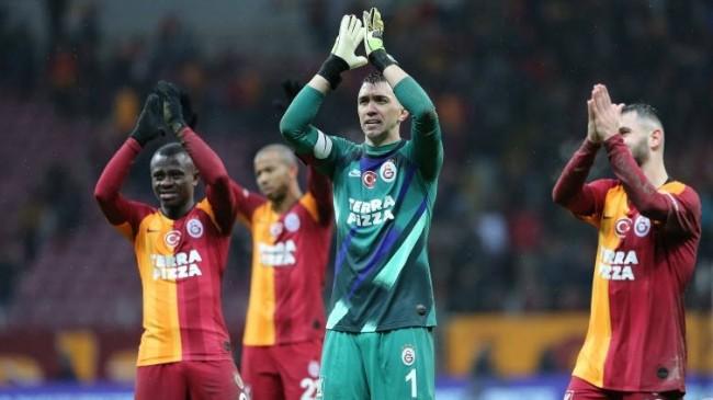Galatasaray'da Moral Getiren Galibiyet!
